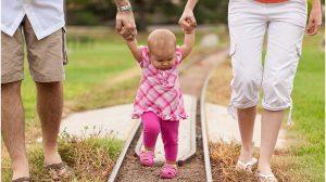 első lépések és a baba cipője