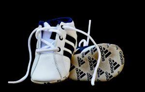adidas baba cipő