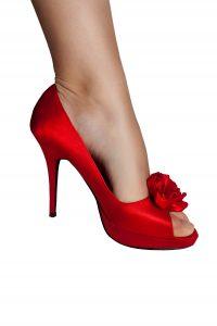 virágos tűsarkú piros